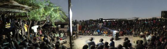 Abendveranstaltung in Kalakol mit ca. 3.500 Menschen