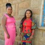 Anastacia (links) wurde von Rückenschmerzen geheilt (rechts ihre Schwester)